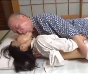 滝川恵理と高齢者のセックス動画